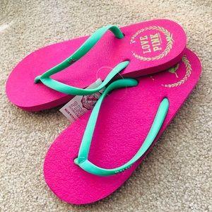 Shoes - New flip flops S size